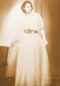 Radka Křivánková na svém prvním plesu
