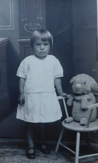 Anna Matysová (Kršková) as a child