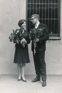 1967, graduation ceremony (with a friend)