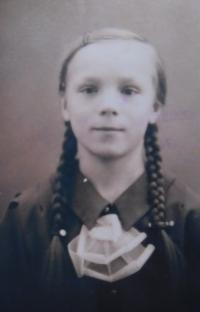 Mother Anna Filipová (Matysová) in childhood