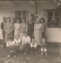 The family in Hynčice nad Moravou in 1963