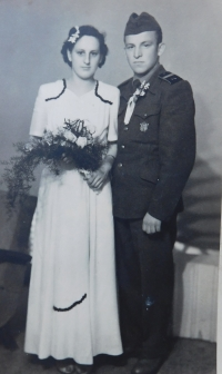 Her sister Herta with husband Ginter