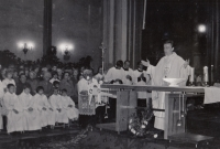 Primice Františka Kunetky v kostele svatého Mořice v Olomouci, 23. 6. 1974