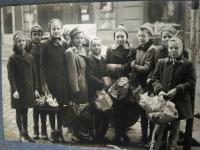školská fotografia z konca druhej svetovej vojny