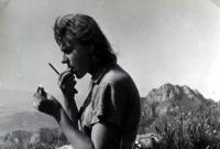 Jiří Langer / putování 1957 / manželka Jaroslava Langerová na vrcholu Stohu na Malé Fatře / Slovensko