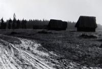 Jiří Langer / putování 1957 / seníky ve Východné pod Vysokými Tatrami / Slovensko