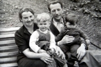 Jiří Langer as a child with his father, mother and a sister in Adamov in 1938