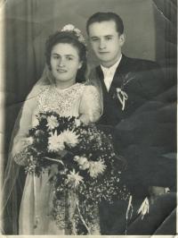 Wedding photo (1950)