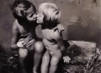 Sestry, vpravo Hana