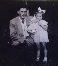 1958 - witness with his daughter