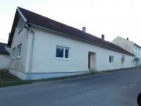 Former pub U Šveců in the local part of Vranová Lhota - Vranová, where the partisans shot three German officers