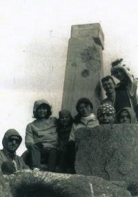 Marek Šlechta s přáteli na výletě na Velké Fatře, rok 1988.