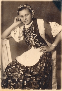 Zofia at the age of 15 in 1938