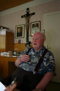 P. František Adamec na faře ve Vacenovicích na Hodonínsku v červenci roku 2006.