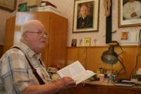 P. František Adamec na faře ve Vacenovicích v červenci roku 2006.
