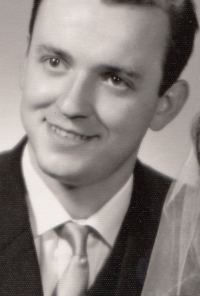 Gustav Černý on his wedding photography (1963)