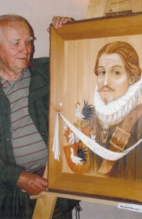 Gustav with a painting of Kryštof Harant from Polžice and Bezdružice at the exhibition