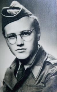 Václav Čeřovský 1945 v Československé uniformě