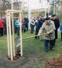 Václav Čeřovský - sázení památné lípy v Hradci králové 2.1.2018