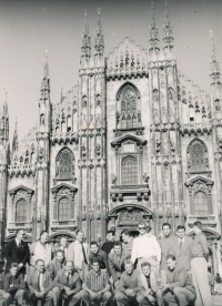 A stop in Milano on the way to Chile 1962, Jelínek is the third one from the left, kneeling