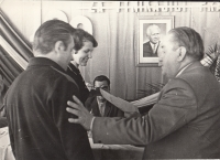 Together with her husband, receiving awards for the best glassmaking workers in Svor, 1968
