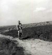 Bike ride in the fields. Jan with his firstborn daughter Adriana