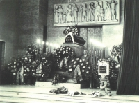 And this photograph is from Vilda's funera at the end of November in 1967. At both sides of the casket, his friends and fellow warriors stand guard. Right front, J. Plzák, Jan Irving stands hust behind him.