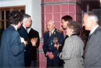 Jan Horal threw another memorable party for his friend, this time in the restaurant in his hotel at Prosek. Many esteemed guests and politicians met there. The photograph shows general Irving in a lively debate with then the Minister of Finances (and future President of Czech Republic), Ing. Václav Klaus.