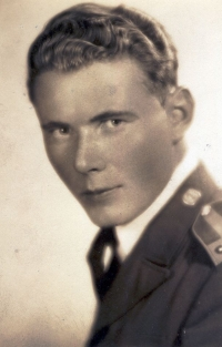 Jan as a sergeant pilot