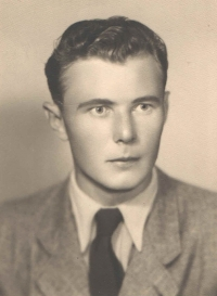 Portrait photograph for the internation ID valid for Yugoslavia