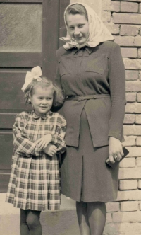 Stanislava with her aunt Anna Baretová