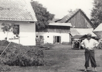 Family farm Pertoltice, before World War II