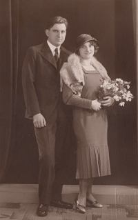 Jan Škramovský and Marta Škramovská, nee Gross; wedding of Eva Pacovská's parents, Prague, 1930