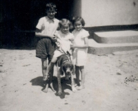 With her brother and sister (Václav, Anežka a Stanislava)