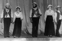 Pásmo písniček Karla Hašlera v podání divadelního souboru Lužany, 1986 (Oldřich Váca vlevo)