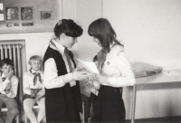 Evaluation of the contest for a red carnation, 1984
