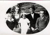 Josef Davídek (left) with parents and siblings in 1940