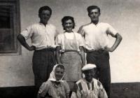 Josef Davídek (on right) during the harvest in 1954
