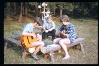 Jiří Zajíc (s kytarou vlevo) na táboře v Nedrahovicích, cca 1971-72