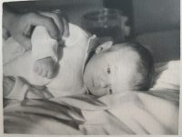 Zora Rysová as a baby in 1947