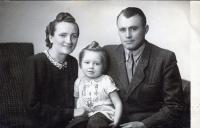 Olga Bílková, née Glajchová, with her husband Vladimír and daughter Zdenička, 1948