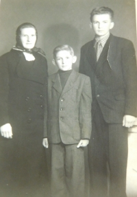 Drahomíra Frantíková with her sons Vojtěch and Miroslav. Father had this picture with him in prison