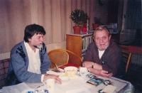 Jiří Zajíc (vlevo) a filozof Erazim Kohák, 2000