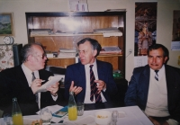 Radomír Malý in the photo on the left as the editor of the People's Democracy speaks with the Deputy Prime Minister of National Understanding František Reichel.JPG