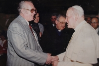 Radomír Malý during the audience with John Paul II. in the Vatican in 1994