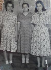 Marija Arsenivna on the left, 1946
