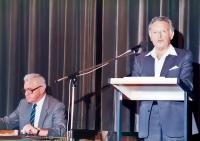 K.Hrubý (sedící) na konferenci Společnosti pro vědy a umění v Bernu v roce 1983