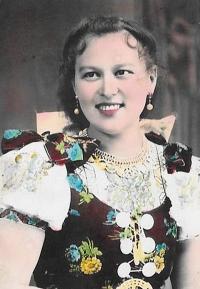 Anna Frajkorová - mother of Ján (1939)
