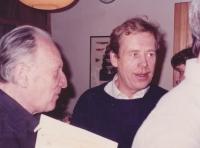 Václav Havel na oslavě sedmdesátých narozenin svého přítele Sergeje Machonina / 1988