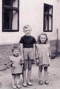 Jan Kreysa se sestrami